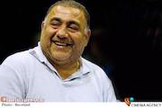 خسرو احمدی در  نشست تئاتر کمی بالاتر به کارگردانی آروند دشت آرای