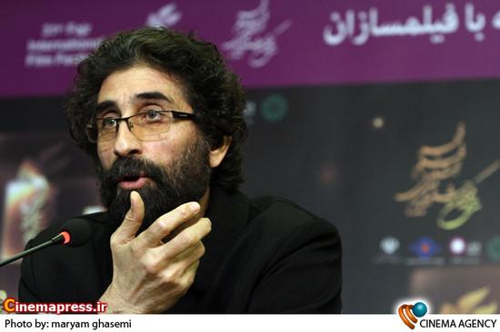 علی قوی تن در نشست فیلم آفتاب مهتاب زمین در جشنواره فیلم فجر