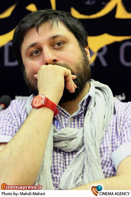 آروند دشت آرای کارگردان در نشست خبری نمایش «باغبان مرگ»