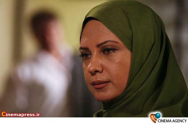 لعیا زنگنه در  مجموعه تلویزیونی«مادرانه» به کارگردانی جواد افشار