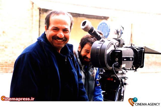 « رسول ملاقلی پور» کارگردان سینمای ایران در پشت صحنه فیلم میم مثل مادر