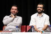 محمود رضوی تهیه کننده و بهروز شعیبی کارگردان در نشست نقد وبررسی فیلم «دهلیز» در فرهنگسرای ارسباران