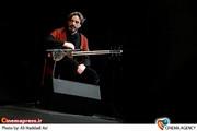 حسین علیزاده در کنسرت موسیقی« گروه هم آوایان»