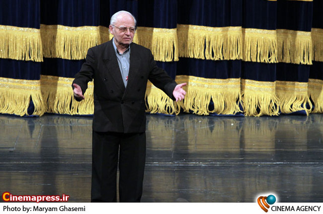 حسین دهلوی در جشن چهاردهمین سالگرد تأسیس خانه موسیقی ایران
