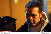 نمایی از مینی سریال رنگ شک به کارگردانی فریبرز عرب نیا و تهیه کنندگی بهروز خوش رزم و محصول سیمافیلم