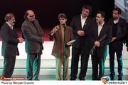 تقدیر از ناصر تقوایی در اختتامیه هفتمین جشنواره سینما حقیقت