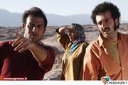 رویا افشار در  نمایی از پشت صحنه فیلم «خسته نباشید» به کارگردانی محسن قرایی وافشین هاشمی