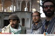 نمایی از پشت صحنه فیلم «خسته نباشید» به کارگردانی محسن قرایی وافشین هاشمی