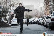 محسن طنابنده در فیلم سینمایی لامپ صد به کارگردانی سعید آقاخانی