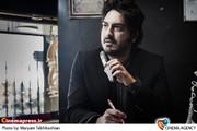 نیما شاهرخ شاهی در فیلم سینمایی لامپ صد به کارگردانی سعید آقاخانی