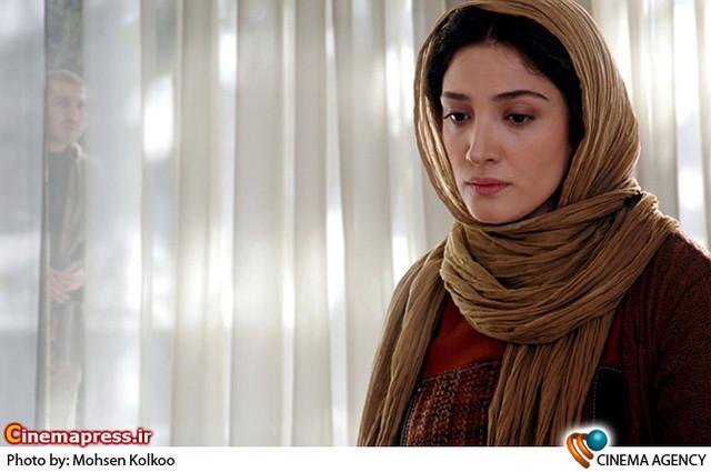 مینا ساداتی در فیلم سینمایی «برف» به کارگردانی مهدی رحمانی