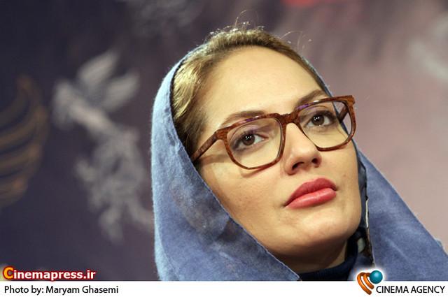 مهناز افشار در نشست خبری فیلم «بیگانه» در جشنواره فیلم فجر