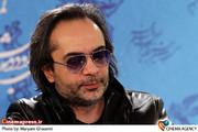 کارن همایونفر در  نشست خبری فیلم «همه چیز برای فروش» در جشنواره فیلم فجر