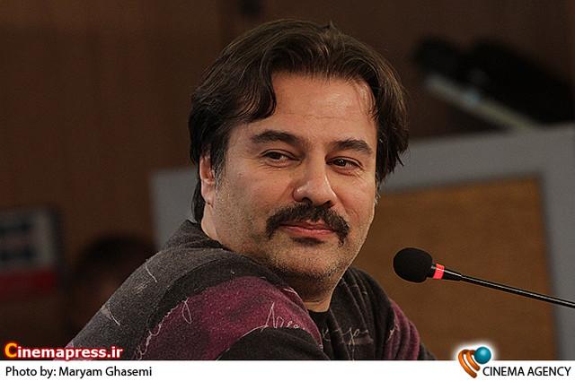 پیمان قاسم خانی در نشست خبری فیلم «طبقه حساس» در جشنواره فیلم فجر
