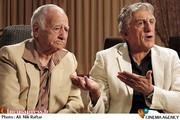 رضا کیانیان در فیلم سینمایی پنج تا پنج
