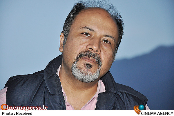 علیرضا حسینی تهیه کننده و کارگردان مجموعه مستند گونیا