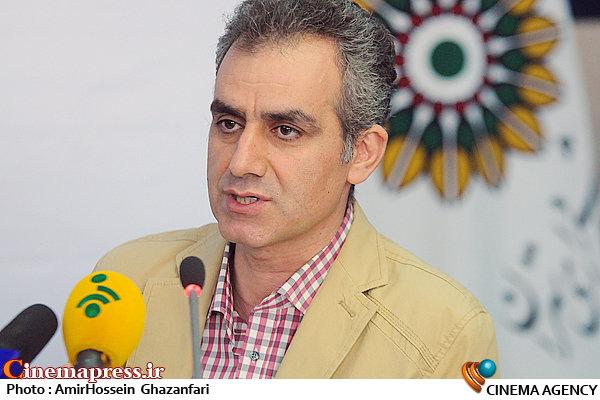 سخنرانی شهرام کرمی در نشست خبری سومین جشنواره تئاتر شهر
