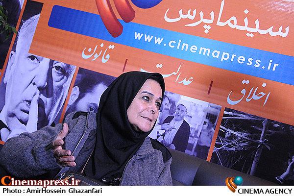 پروانه مرزبان در پنجمین روز بیستمین نمایشگاه مطبوعات و خبرگزاریها