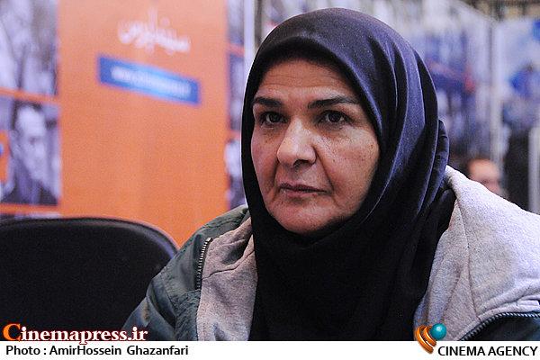 انسیه شاه حسینی در ششمین روز بیستمین نمایشگاه مطبوعات و خبرگزاریها