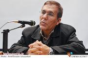 شفیع آقامحمدیان در جلسه نقد و بررسی فیلم مستند«پنج دوربین شکسته»