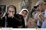 نرگس آبیار و مریلا زارعی در پشت صحنه فیلم سینمایی«شیار۱۴۳»