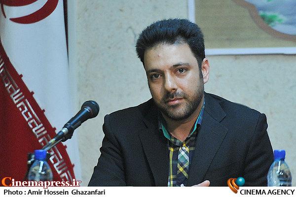 امیر تاجیک در نشست مشترک شبکه مستند سیما و بنیاد مبارزه با قاچاق کالا و ارز