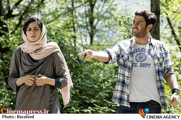 محمدرضا گلزار و پگاه آهنگرانی در فیلم سینمایی خشکسالی و دروغ