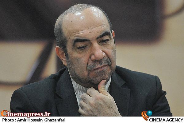 ناصر شفق در نشست خبری دومین جشنواره گزارش یک نگرانی