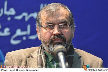 نیرومند: در سینمای ایران هیچ نظارتی وجود ندارد!/ متأسفانه نیروی انسانی متعهد در زمینه هنر تربیت نشده است