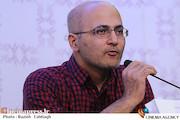 حسین معززی نیا در نشست خبری فیلم سینمایی«اژدها وارد میشود»