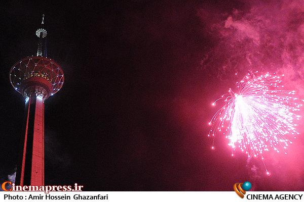 نورافشانی برج میلاد به مناسبت پیروزی انقلاب اسلامی