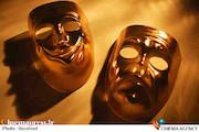 روزنامه کیهان از روی صحنه بودن تئاتر همجنس بازانه خبر داد!