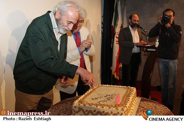 عکس / جشن تولد هفتاد و یک سالگی«ایرج راد»