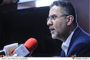حجت اله ایوبی در امضای تفاهمنامه vod و تهیه کنندگان سینمای ایران