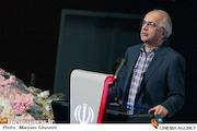 وحیدزاده: سیستم اجرایی جشنواره فیلم فجر اشکال دارد و باید دچار تغییر شود/ نمایش استانی فیلم های جشنواره به صاحبان فیلم آسیب وارد می سازد