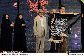 برگزیدگان بخش «عماد مغنیه» در جشنواره مقاومت معرفی شدند/ حضور کارگردان سینما با پرچم متبرک به حرم حضرت زینب«س»
