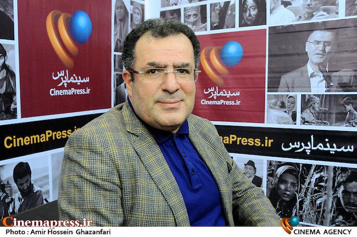محمود گبرلو در بیست و دومین نمایشگاه مطبوعات