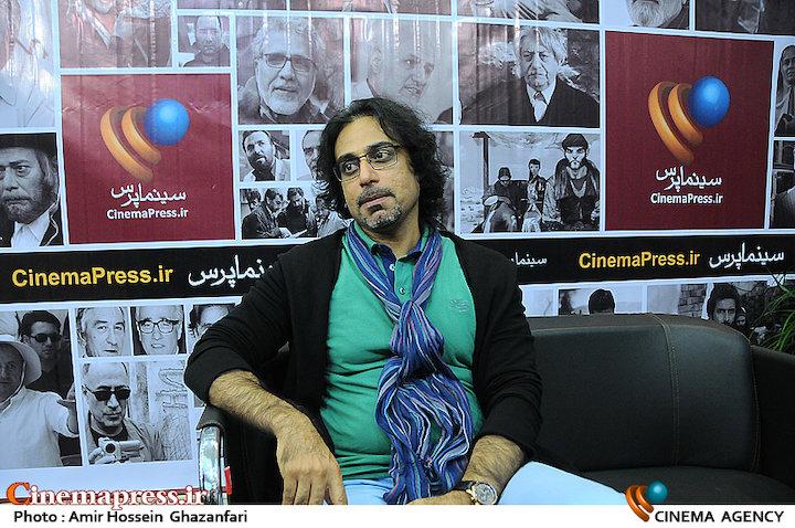 محسن شریفیان در بیست و دومین نمایشگاه مطبوعات