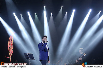 عکس/ کنسرت حامد همایون در سی و دومین جشنواره موسیقی فجر