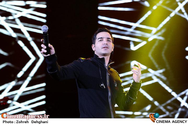 عکس/ کنسرت محسن یگانه در سی و دومین جشنواره موسیقی فجر