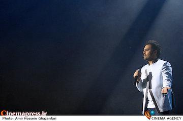 عکس/ کنسرت «میثم ابراهیمی» در برج میلاد تهران
