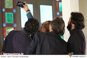 عکس سلفی داوران توسط رامبد جوان در مراسم افتتاحيه ششمين جشنواره بينالمللی فيلم شهر