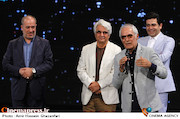 تجلیل از محمود کلاری در اختتامیه ششمین جشنواره بینالمللی فیلم شهر