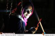 لیندا کیانی در نمایی از فیلم سینمایی اکسیدان