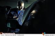 جواد عزتی در نمایی از فیلم سینمایی اکسیدان