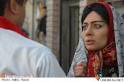 یکتا ناصر در نمایی از فیلم سینمایی «کارگر ساده نیازمندیم»