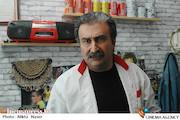 مهران احمدی در نمایی از فیلم سینمایی «کارگر ساده نیازمندیم»