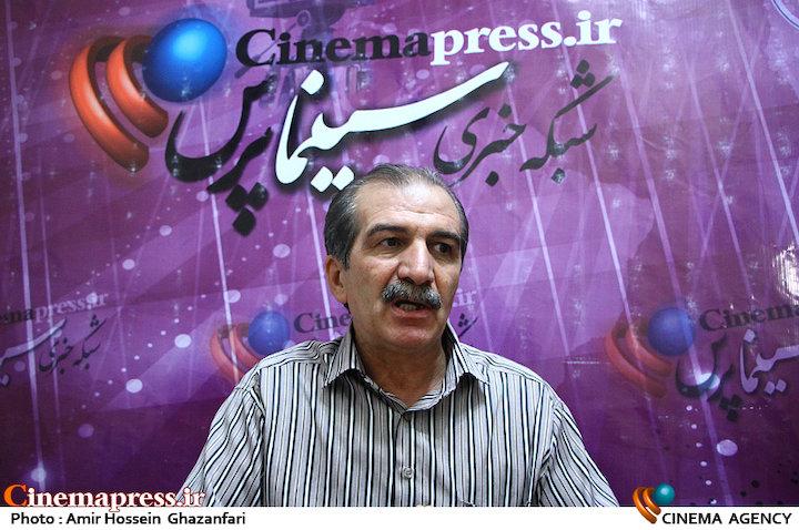 جبار آذین در نشست نقد و بررسی فیلم سینمایی دریاچه ماهی