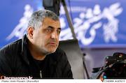 مانی حقیقی در مراسم قرعهکشی جدول سینمای رسانهها در سی و ششمین جشنواره فیلم فجر