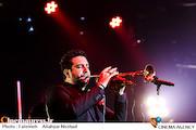 کنسرت امید حاجیلی در سی و سومین جشنواره موسیقی فجر